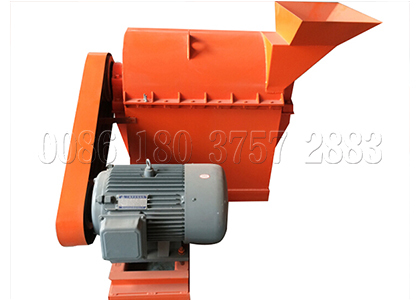 Semi-wet crusher for organic fertilizer production