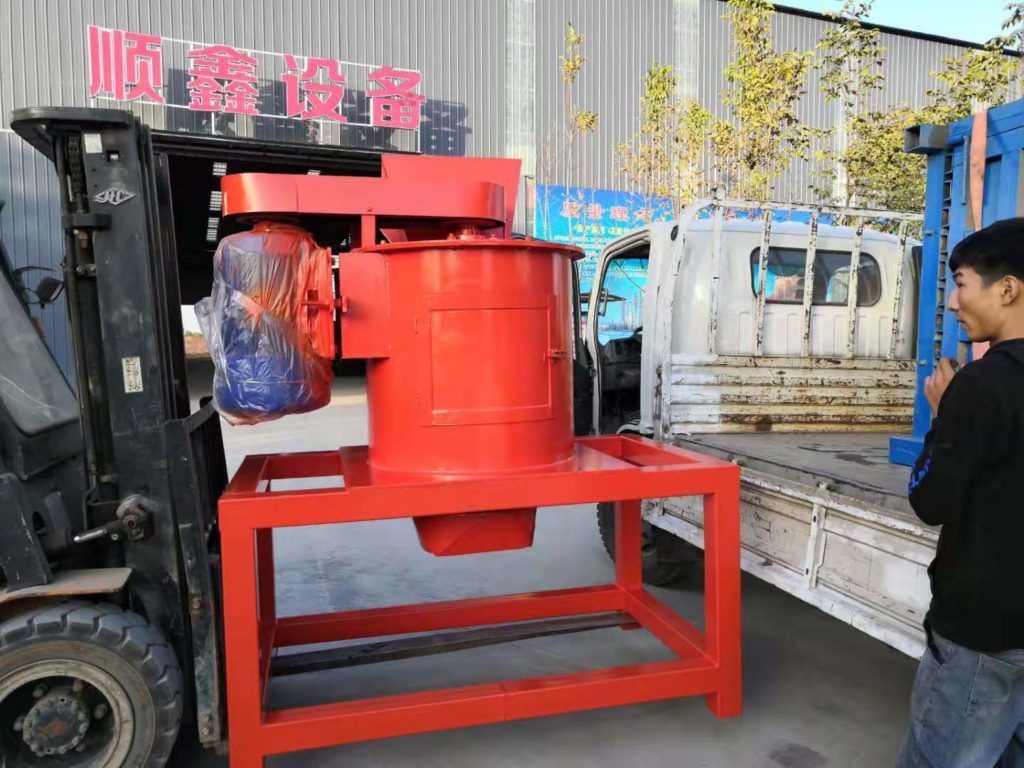 Vertical Fertilizer Crusher Machine to Shandong Client